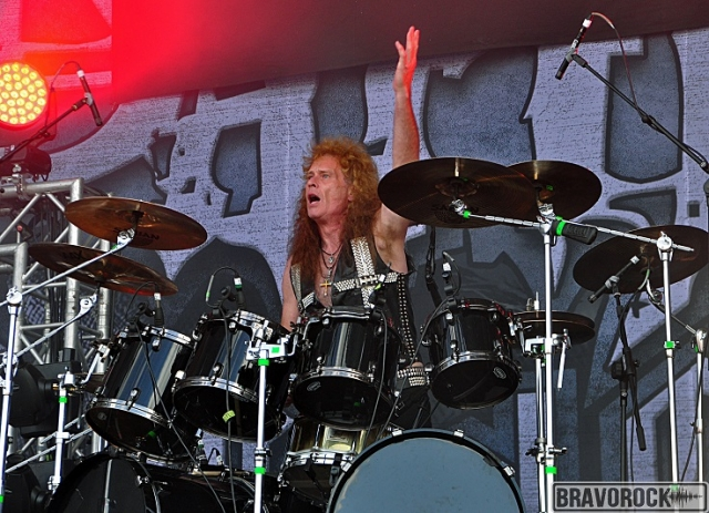 Exciter drummer say hello to the public at the party san 2018