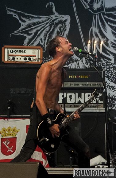 Mantar singer an guitarist - Wacken 2018