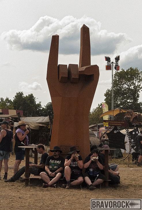 Giant metal hand wacken 2018