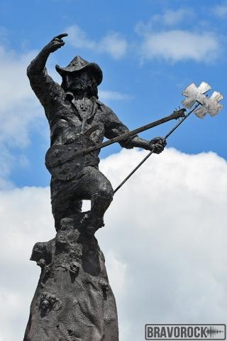 statue Lemmy Kilmister Hellfest
